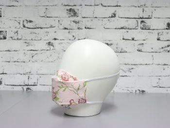 mascarilla lavable rosa con estampado floral